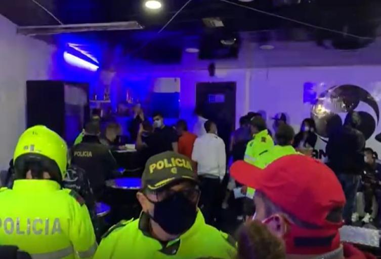 Fiesta clandestina en Bogotá