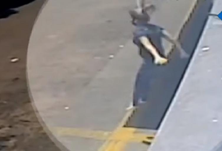 Mujer se lanza desde primer piso intentando huir de violación en Brasil