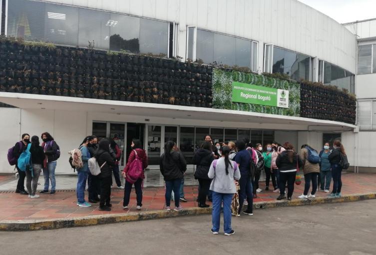 Protesta de madres comunitarias en Bogotá