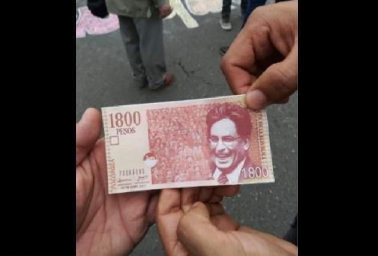 Broma con billete Carrasquilla de $1.800 se hace viral en redes
