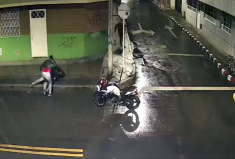 Hombre recibe puñaladas tras intentar detener robo en Bogotá