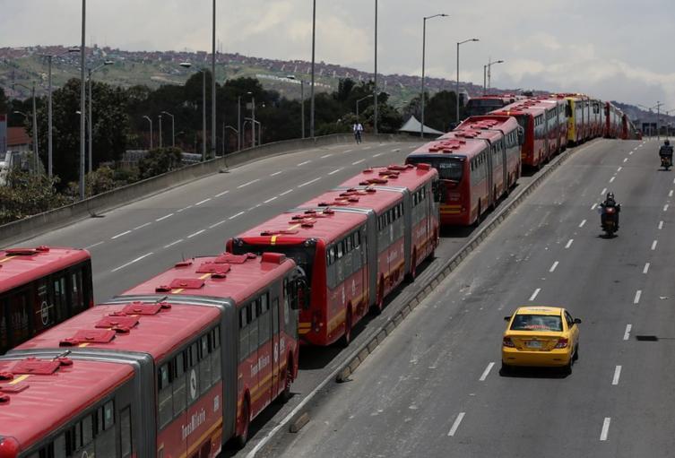 Trancón en Transmilenio por protestas en Bogotá