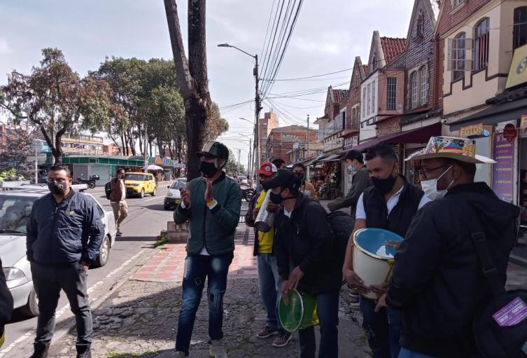 Gremio del entretenimiento realizó plantones en Bogotá , por cuarentenas