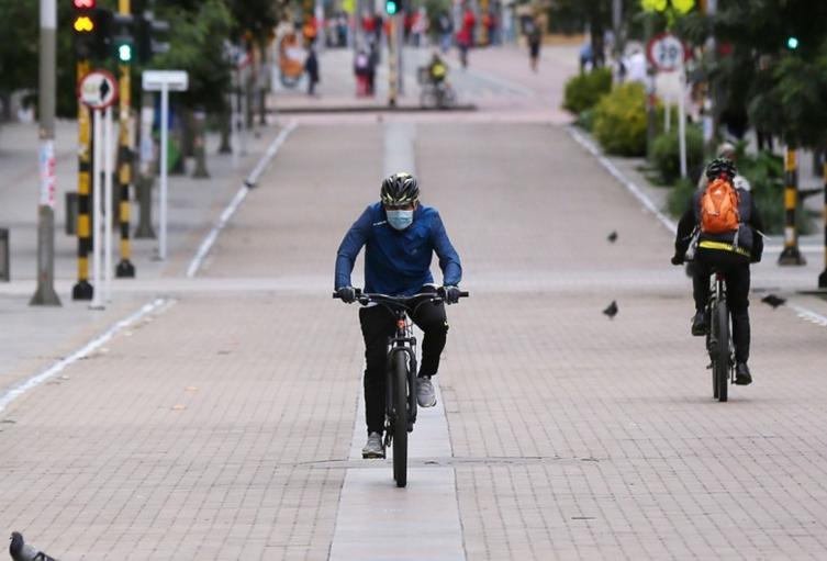 El uso de tapabocas en Bogotá es obligatorio desde hace un año.