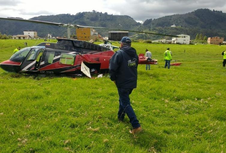 Helicóptero tuvo aterrizaje de emergencia y cayó en vereda de Chía