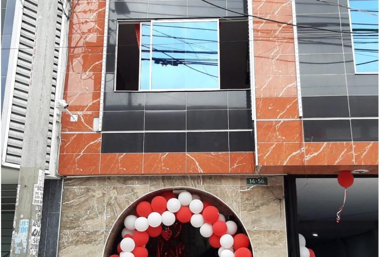 Hombre lanzó a mujer por ventana de motel en barrio Restrepo