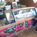 Empleada de restaurante frustra robo, pero la despiden