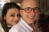 Jota Mario Valencia y su esposa