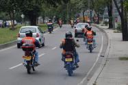 Motociclistas en vías.