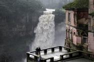 El uso del recurso hídrico de generación eléctrica ha dejado seca la cascada.