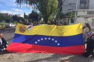 Ciudadanos venezolanos protestan en Bogotá