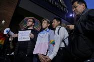 'Besatón' en Bogotá por parte de la comunidad LGTBI