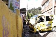 Mujer taxista falleció al chocar contra muro