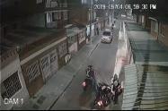 Mujer le roban la moto en Bogotá
