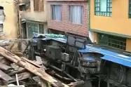 Bus del SITP se metió a casa en la vía a La Calera
