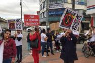 Protestan contra Transmilenio por la Avenida 68