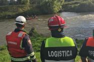 Labores de búsqueda de niño que cayó al río Bogotá