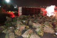 Camión se volcó en Madrid, Cundinamarca