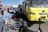 Accidente de bus y moto