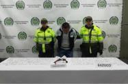 Policía de Bogotá captura a 'jibaro' con más de cinco mil dosis de estupefacientes