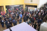 Filarmónica de Bogotá tocando en Transmilenio