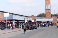 Muchos ciudadanos fueron vistos en el Terminal el Salitre
