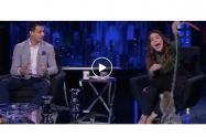 Mono ataca presentadora en vivo