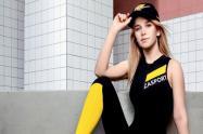 Enfermera se vuelve la imagen de marca deportiva