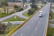 Ciclista arrollado y lanzado desde puente en Chía