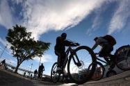 Ciclistas en localidad de Kennedy