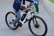 Niño en bicicleta / Imagen referencial