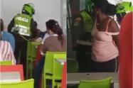 Mujer capturada por no pagar una sopa
