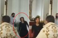 Mujer abofetea a sacerdote durante misa