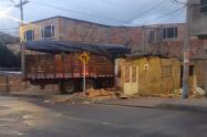 Camión se estrella contra casa en Usme