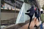 Vandalismo en la estación de Transmilenio del Museo Nacional