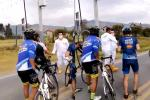 Conductor saca machete para en enfrentar a ciclistas