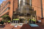 Trabajadores de la Clínica Nueva de Bogotáprotestaron