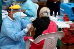 Vacunación de adultos mayores /Vacuna contra covid / Vacunación en Colombia