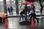 Ciudadanos tapan huecos de manera gratuita