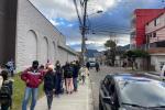 Largas filas a las afueras de Jumbo, sector 20 de Julio en Bogotá