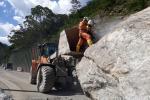 Remoción piedra km 58