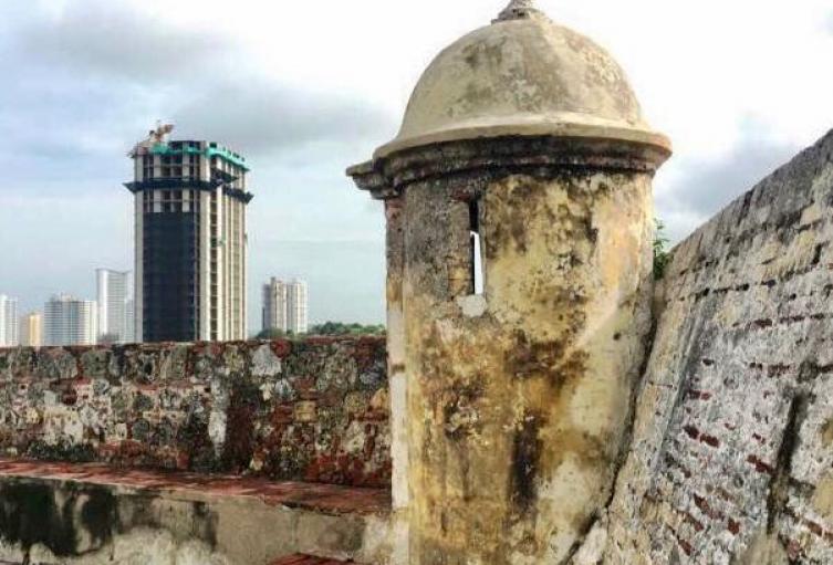 Edificio Aquarela pone en riesgo patrimonio de Cartagena.