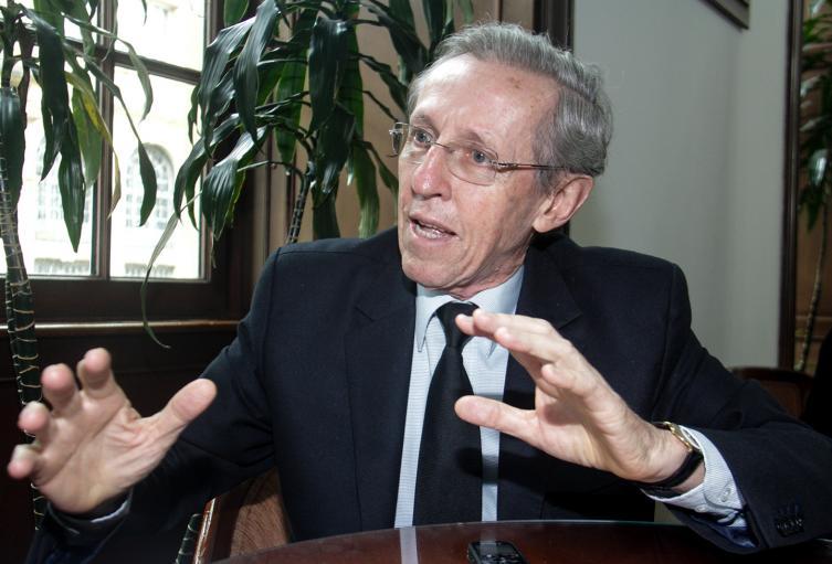 El exministro Antonio Navarro Wolff.