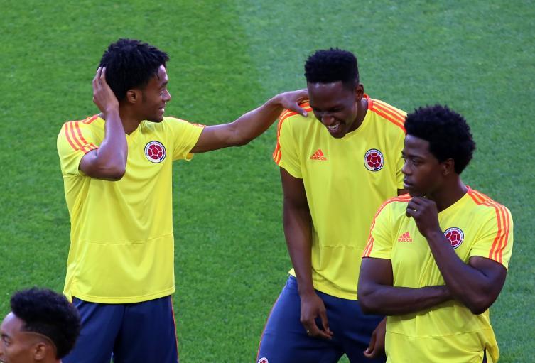 Yerry Mina y Juan Guillermo Cuadrado en el entrenamiento de la Selección Colombia