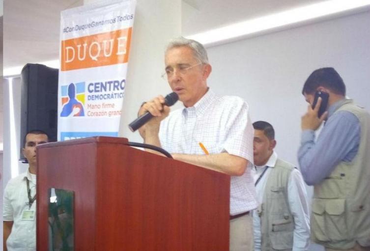 El ex presidente Alvaro Uribe llegaría este miércoles a Ibagué