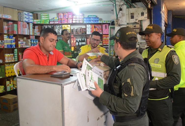 Los comerciantes y la Policìa se unen en contra de la extorsiòn