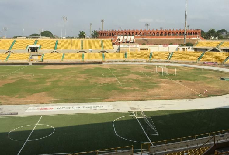 Después de dos meses de haber sido remodelado no se puede jugar fútbol en el estadio de Cartagena