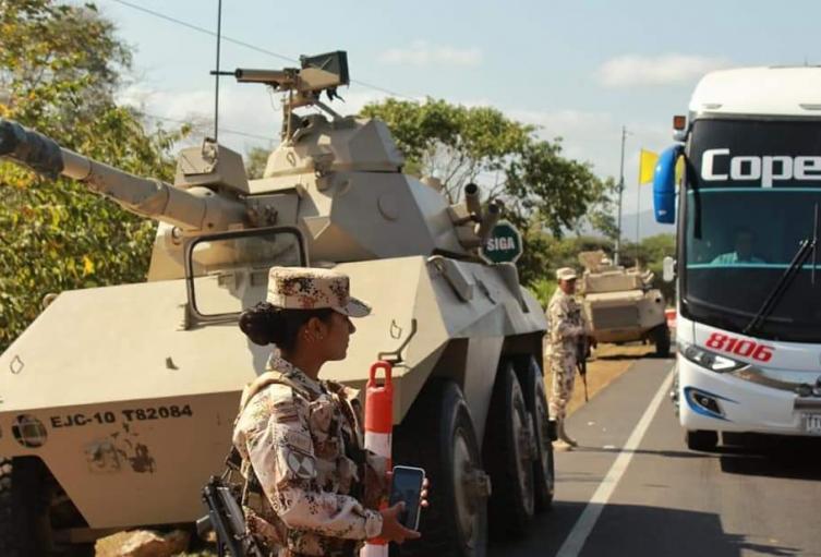 Autoridades custodiaron la vía para que conductores y pasajeros disfrutaran de Maicao