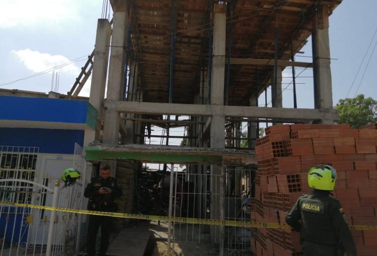 Se desplomó nueva construcción ilegal en Cartagena, cuatro personas resultaron heridas