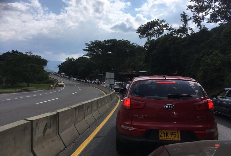 La falta de vías es la principal problemática de los trancones en Cartagena